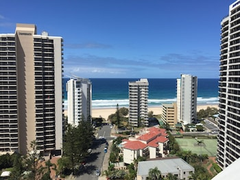 Genesis Holiday Apartments Surfers Paradise