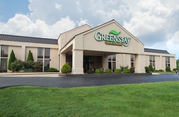 Greenstay Hotel & Suites Springfield