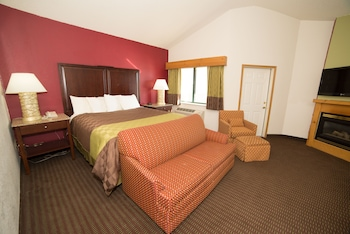 HomeTown Inn & Suites Belle Plaine