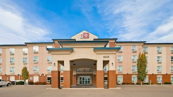 Best Western Plus Red Deer Inn Suites