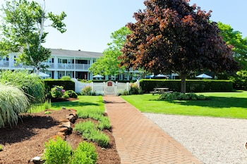 Seaglass Inn & Spa